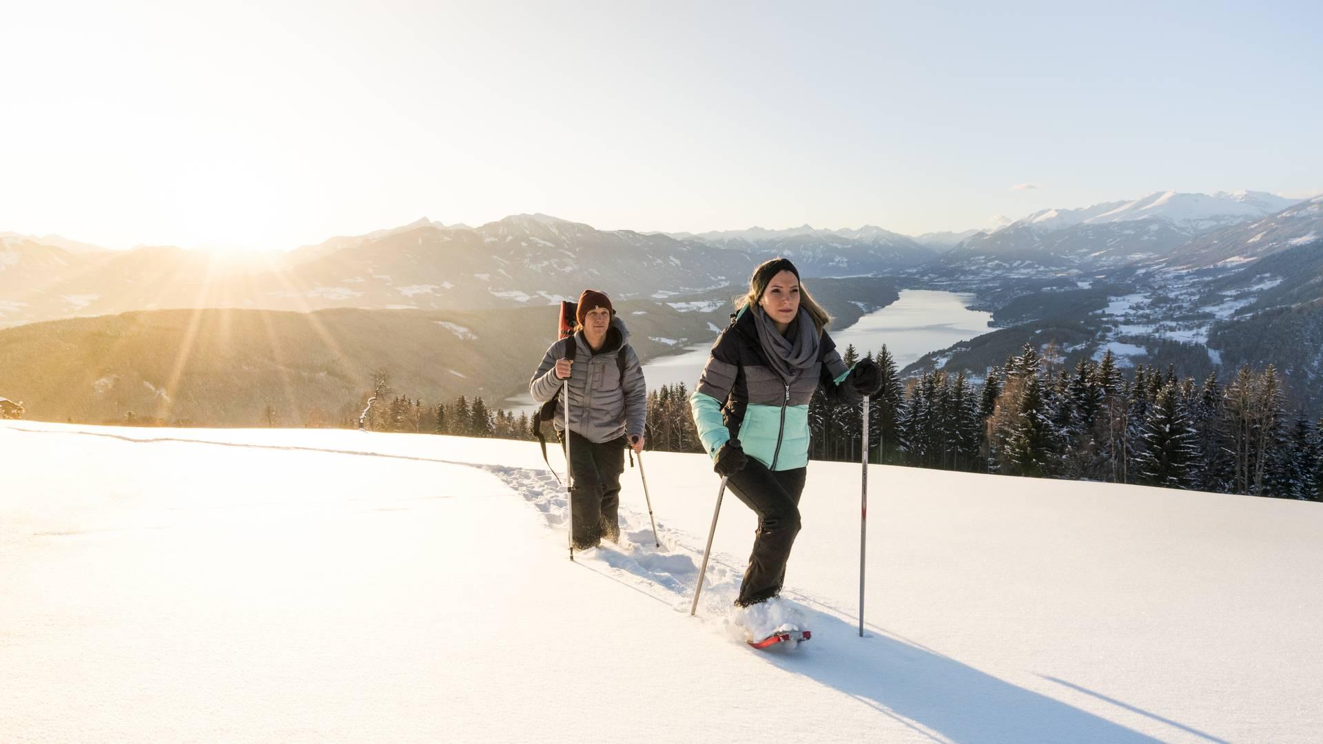 Winter am Millstaettersee beim Schneeschuhwandern